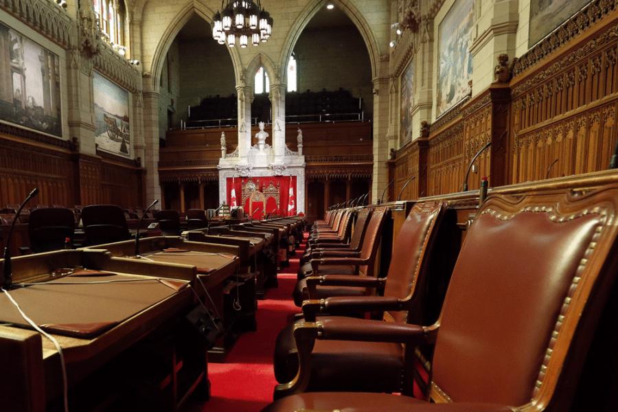 Un nouveau système de débat informerait mieux les Canadiens sur le travail du Sénat