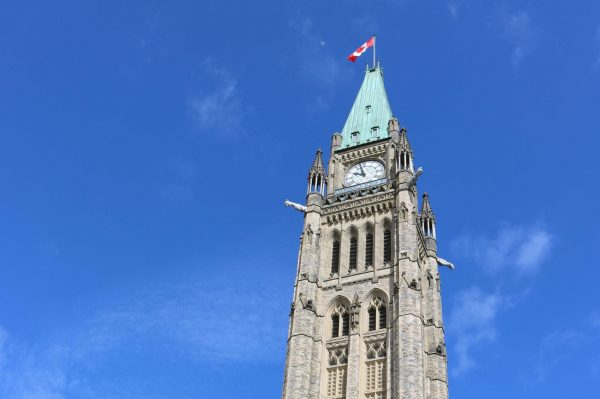 Le Sénat adopte un projet de loi qui modifie le serment de citoyenneté