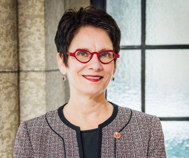 Sénatrice </br> Raymonde Gagné