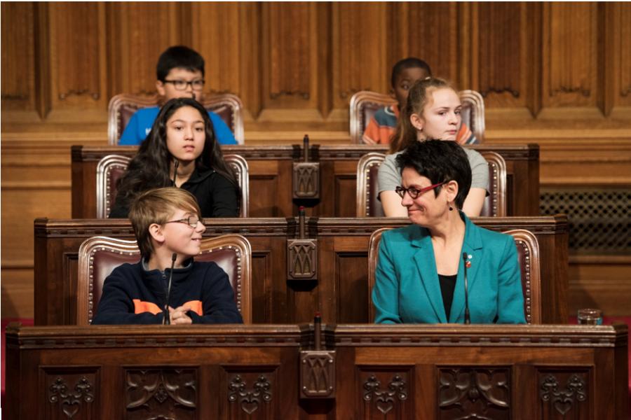 Senator Gagné celebrates National Child Day in the Red Chamber on November 7, 2018.